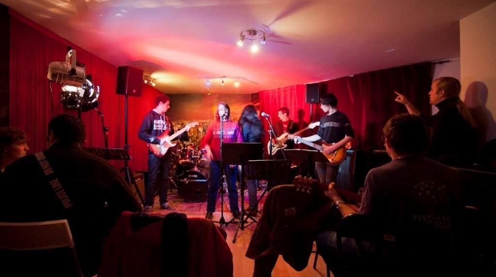 Music Axion ateliers scène, école de musique Rennes